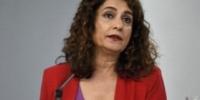 """María Jesús Montero llama a """"no dar pasos atrás"""" con las subastas de medicamentos en Andalucía y no teñirlas de """"tintes ideológicos"""""""