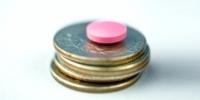 FEFE propone un precio mínimo de los medicamentos de 3 euros y que los beneficiarios aporten una media del 10% del coste de la factura, en función de su renta